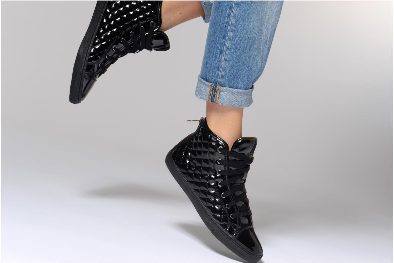 Sneaker Geox D NEW CLUB D D4458D schwarz ansicht von unten / tasche getragen