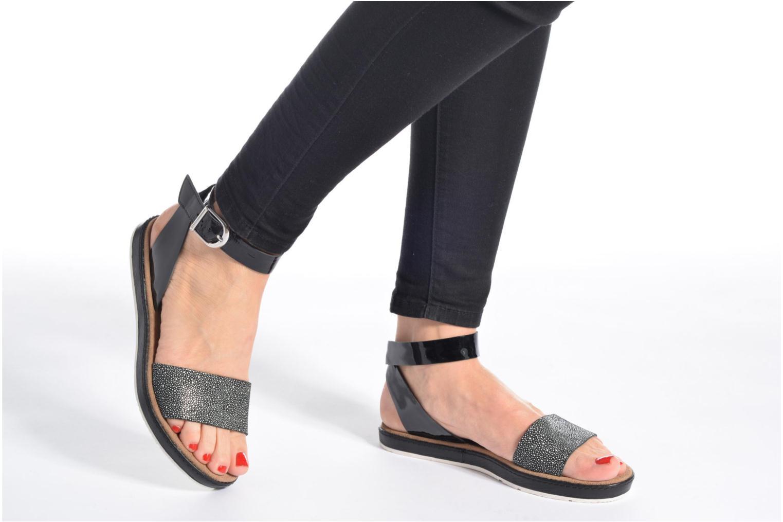Sandales et nu-pieds Clarks Romantic Moon Noir vue bas / vue portée sac