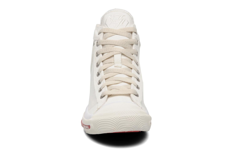 Sneaker Diesel Magnete weiß schuhe getragen