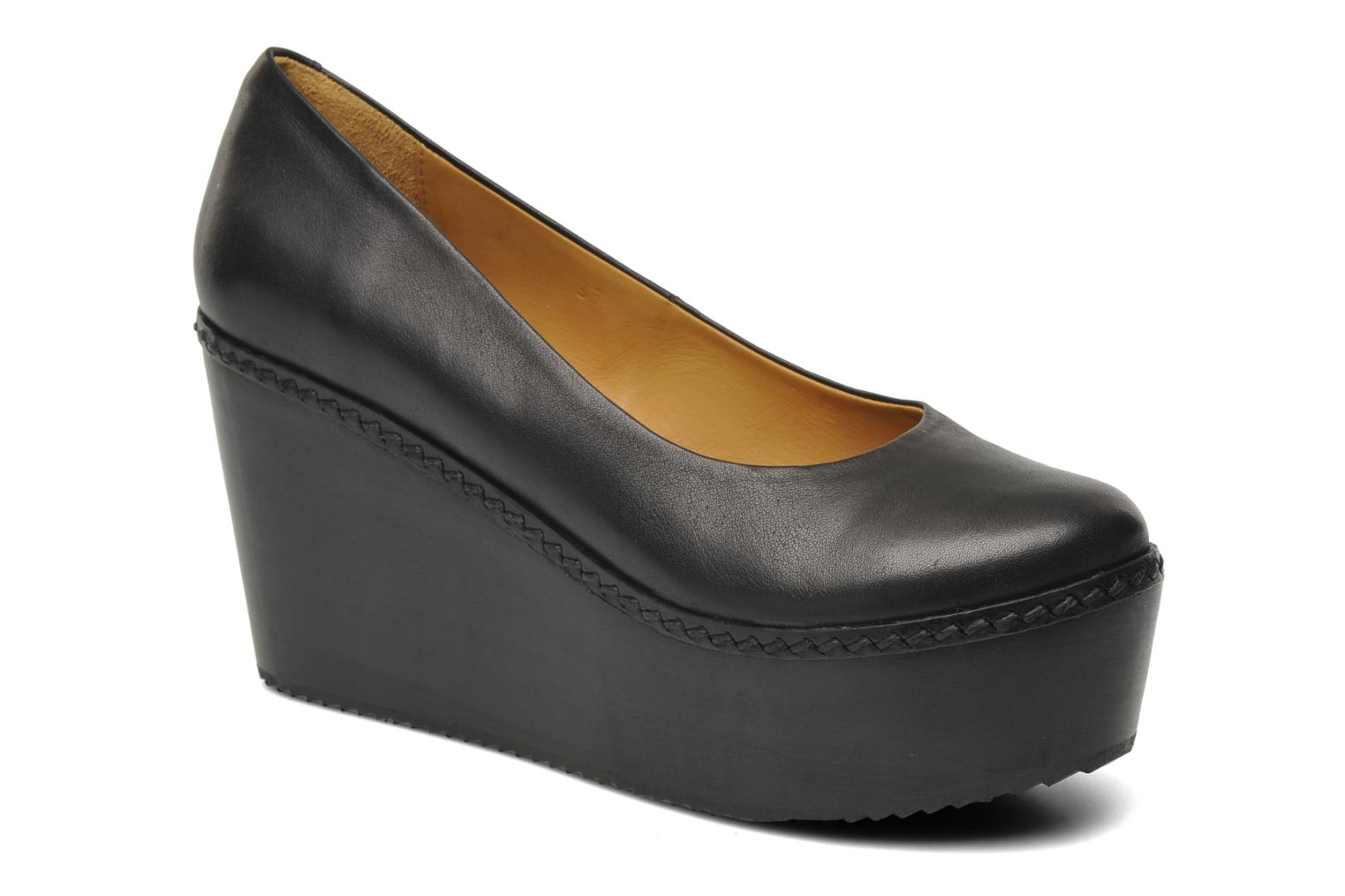Luzo Low plateau pump Black