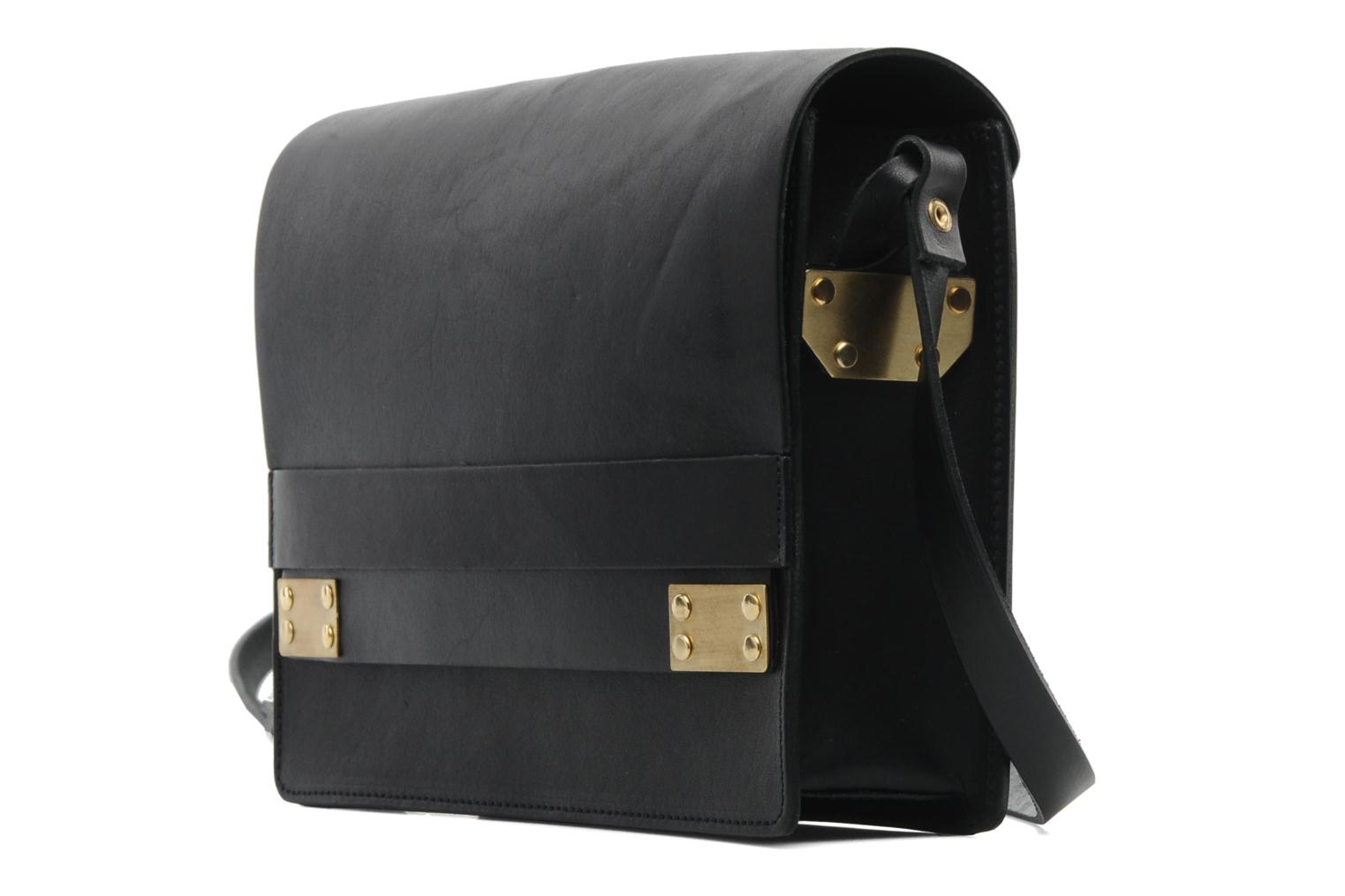 Handbags Pieces Siw leather Crossover bag Black model view