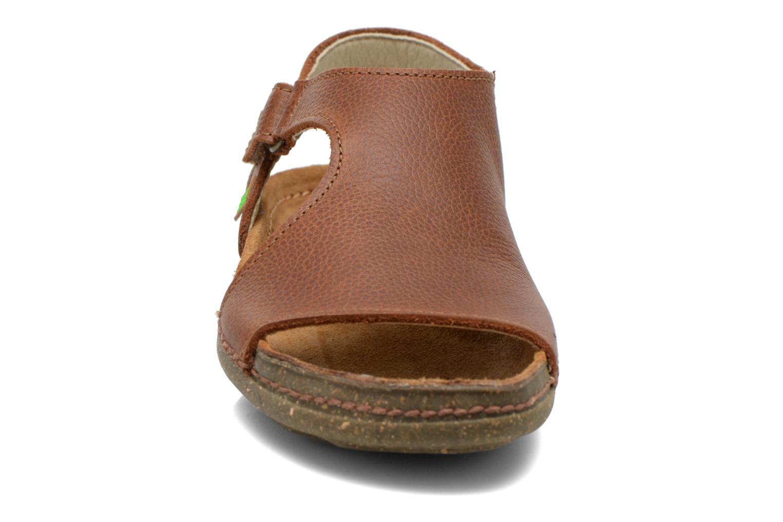 Sandales et nu-pieds El Naturalista Torcal N309 Marron vue portées chaussures