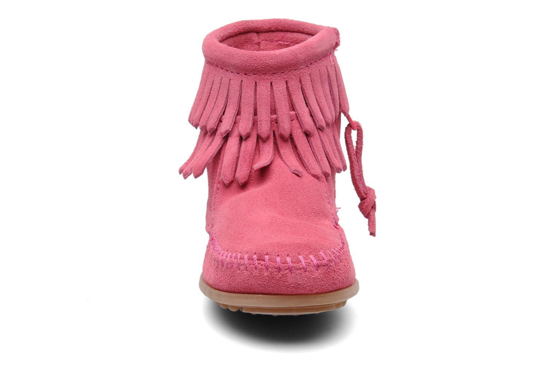 Ankelstøvler Minnetonka Double Fringe bootie G Pink se skoene på