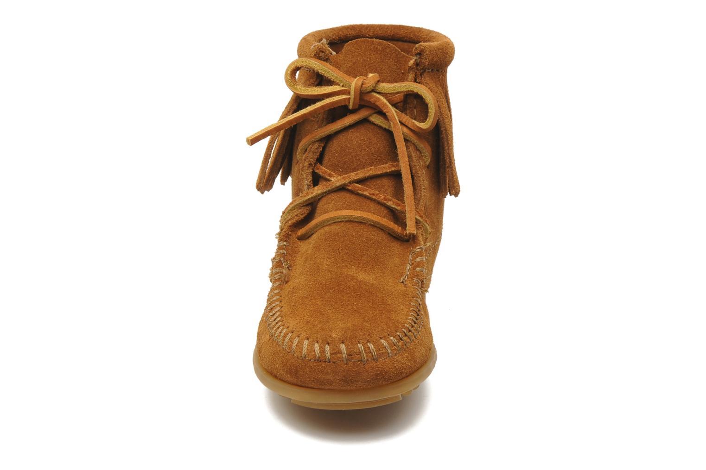 Ankelstøvler Minnetonka Tramper Bootie G Brun se skoene på
