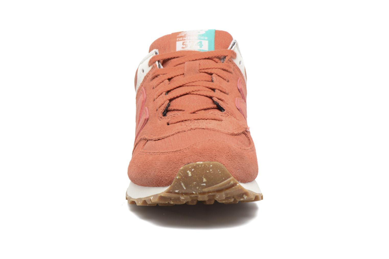 Baskets New Balance WL574 Orange vue portées chaussures