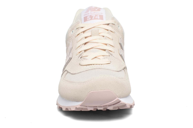 Sneaker New Balance WL574 weiß schuhe getragen