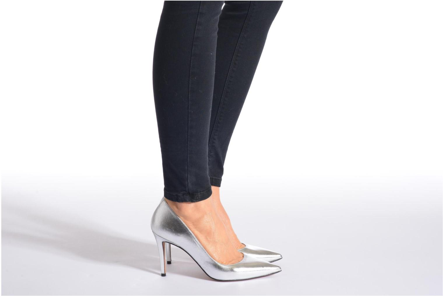 High heels Pura Lopez Astoria Silver view from underneath / model view