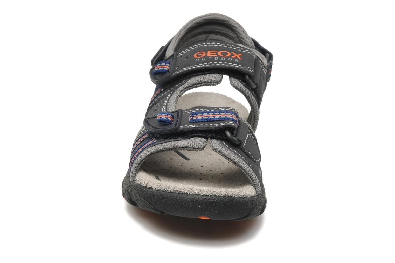 Sandales et nu-pieds Geox J S.STRADA A Gris vue portées chaussures