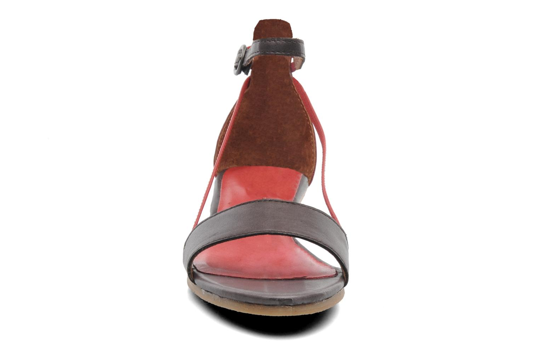 Sandalen Kickers Cocola Bruin model