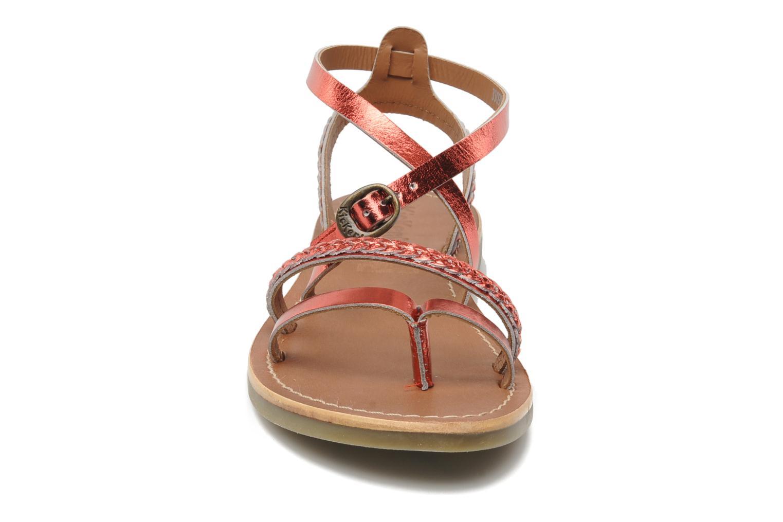 Sandalen Kickers Djapan rot schuhe getragen