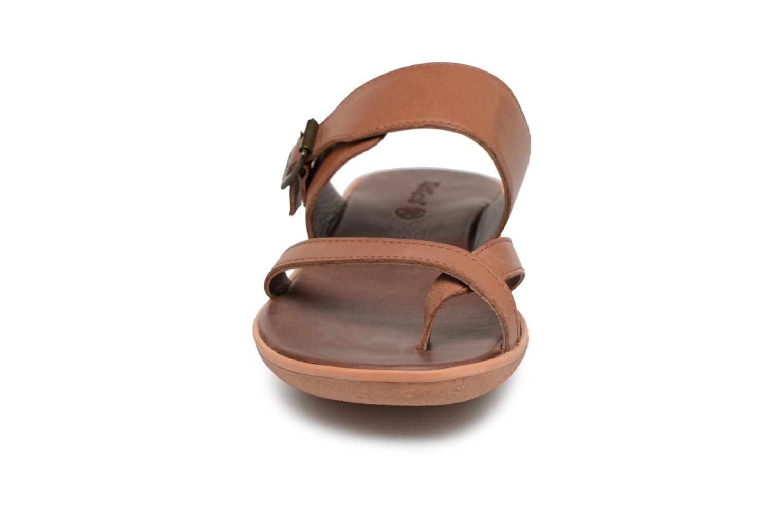 Sandalen Kickers Hypy braun schuhe getragen