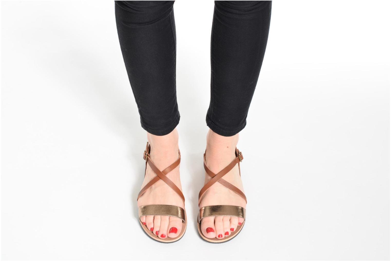 Sandales et nu-pieds Kickers Spartame Noir vue bas / vue portée sac
