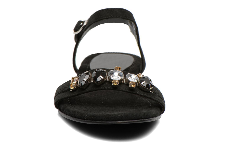 Sandali e scarpe aperte Elizabeth Stuart Planta 606 Nero modello indossato