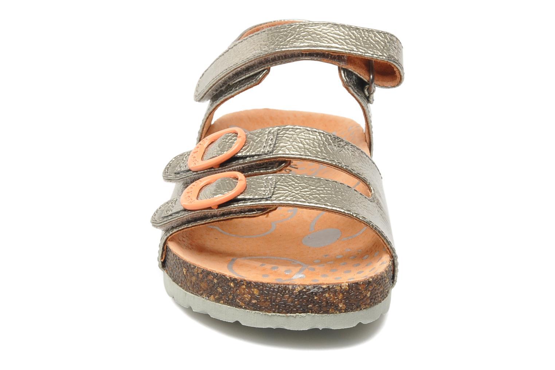 Sandalen Kickers Magipop silber schuhe getragen