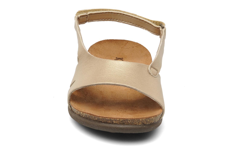 Sandales et nu-pieds Kickers Anatokid Or et bronze vue portées chaussures