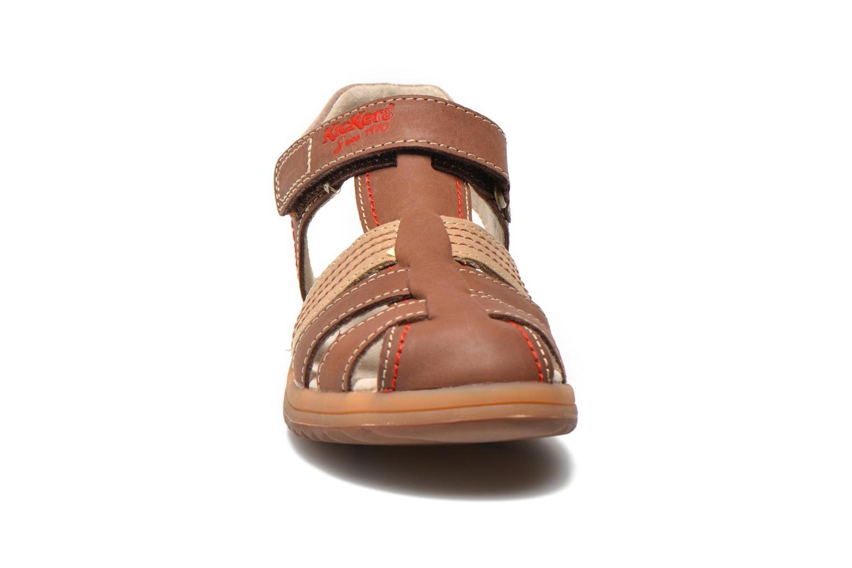 Sandales et nu-pieds Kickers Platinium Marron vue portées chaussures