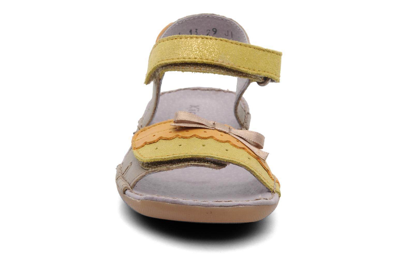 Sandalen Kickers Espiegle beige schuhe getragen