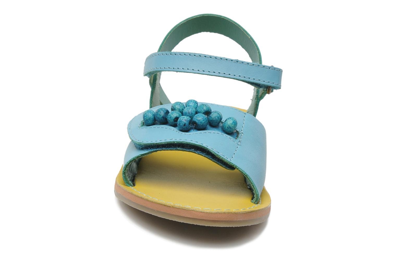 Sandales et nu-pieds Kickers Parma Bleu vue portées chaussures