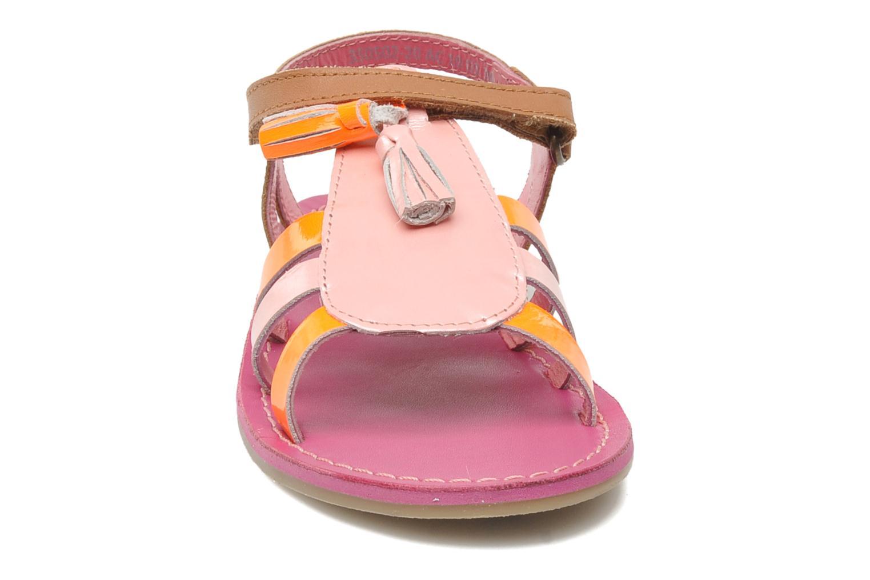 Sandales et nu-pieds Kickers Paraplume Marron vue portées chaussures