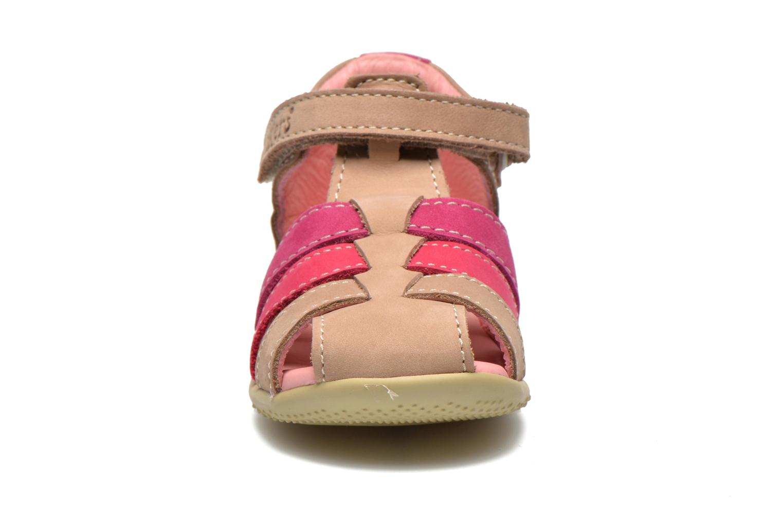 Sandales et nu-pieds Kickers Bigflo Beige vue portées chaussures