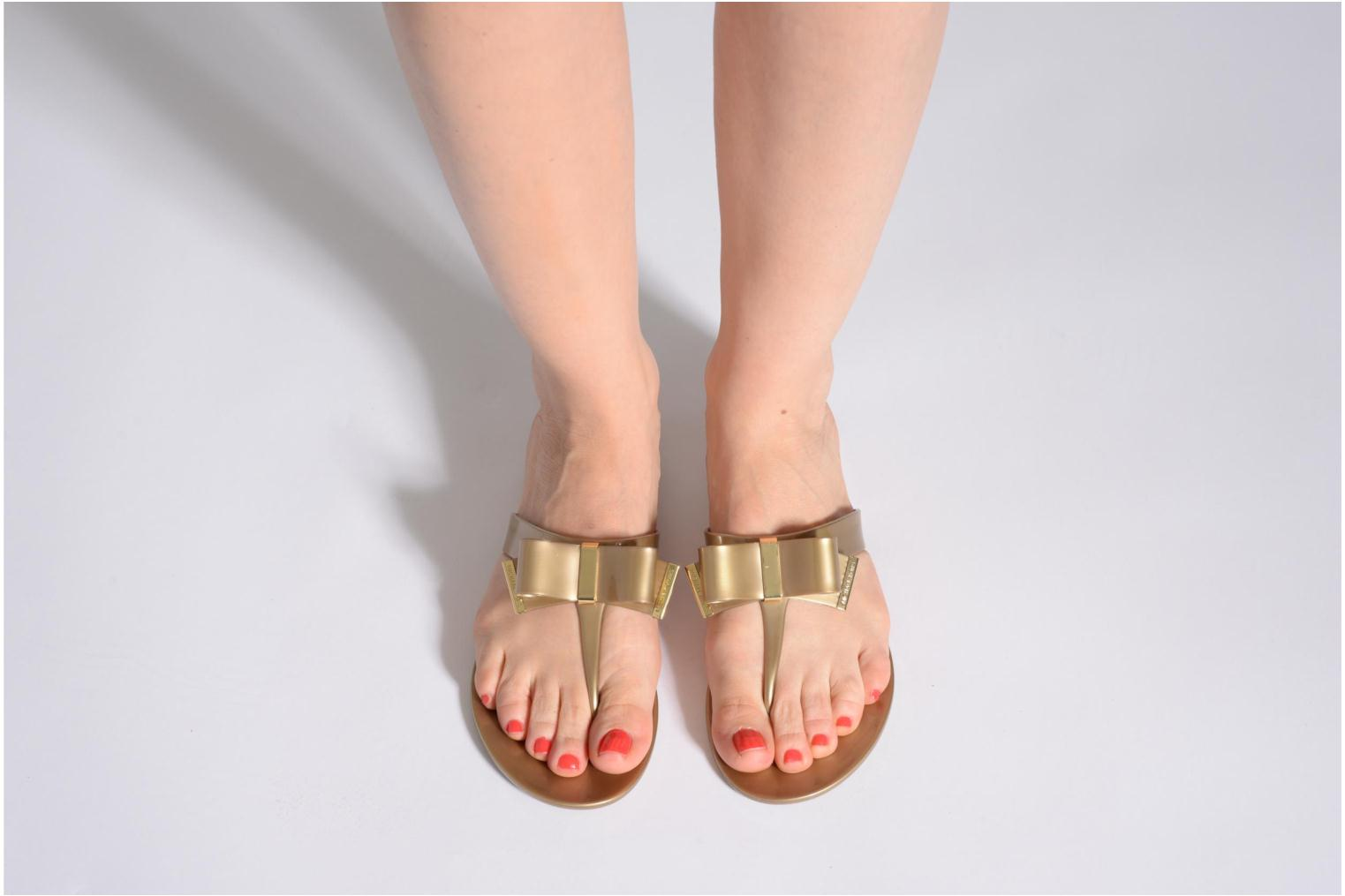Flip flops Michael Michael Kors Kayden Jelly Bronze and Gold view from underneath / model view