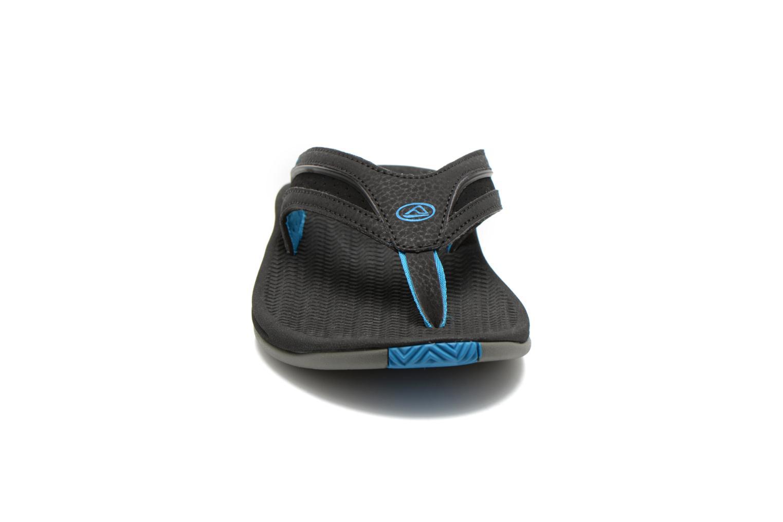 Tongs Reef Flex Noir vue portées chaussures