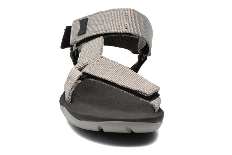 Sandales et nu-pieds Camper Match 18824 Gris vue portées chaussures