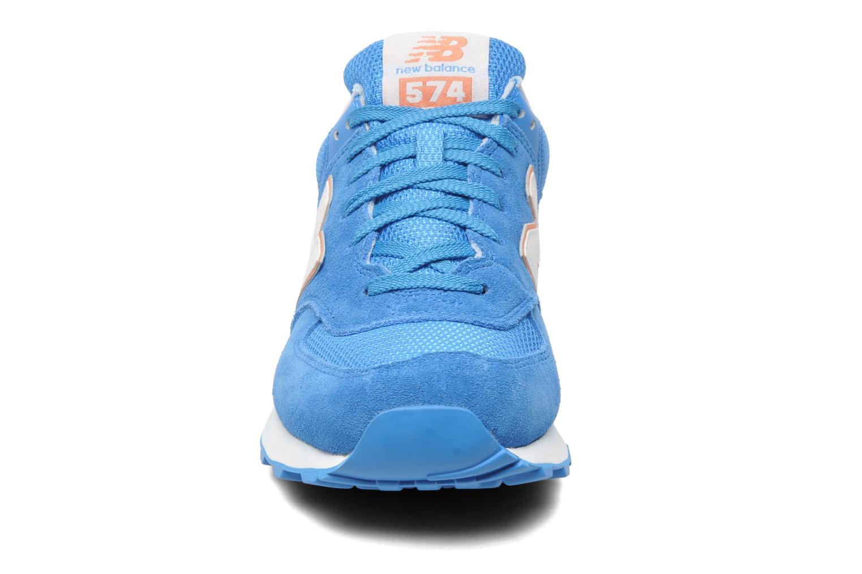Baskets New Balance WL574CPT-B Bleu vue portées chaussures