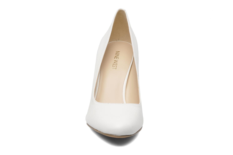 Escarpins Nine West Gramercy Blanc vue portées chaussures