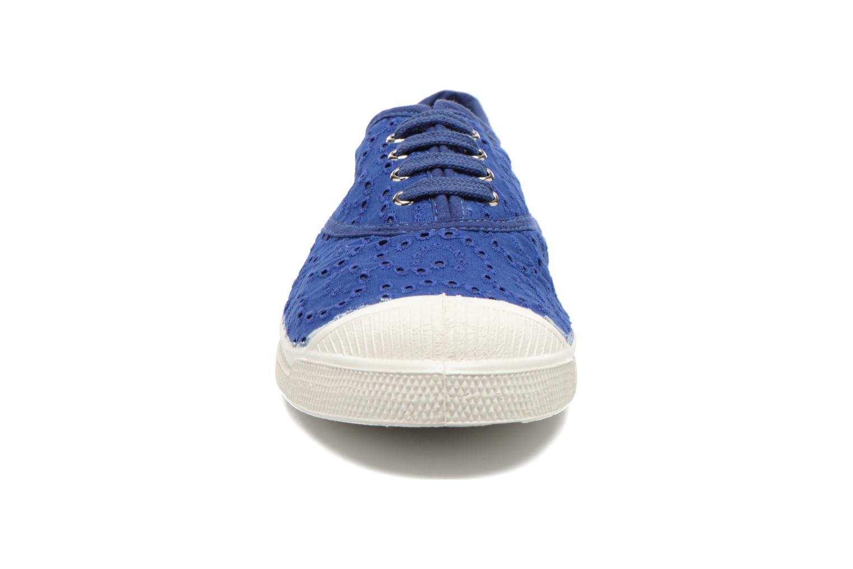 Baskets Bensimon Tennis Broderie Anglaise Bleu vue portées chaussures