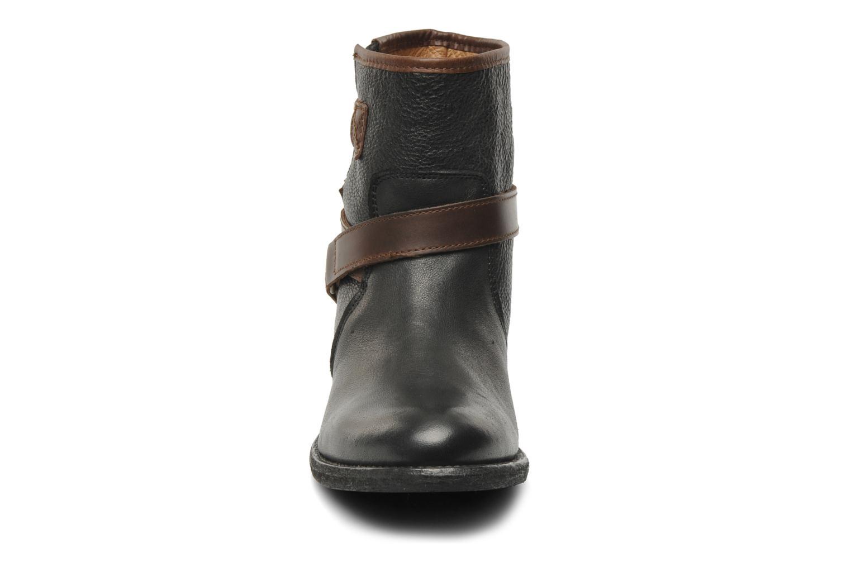 Ankle boots Koah Fulya Black model view