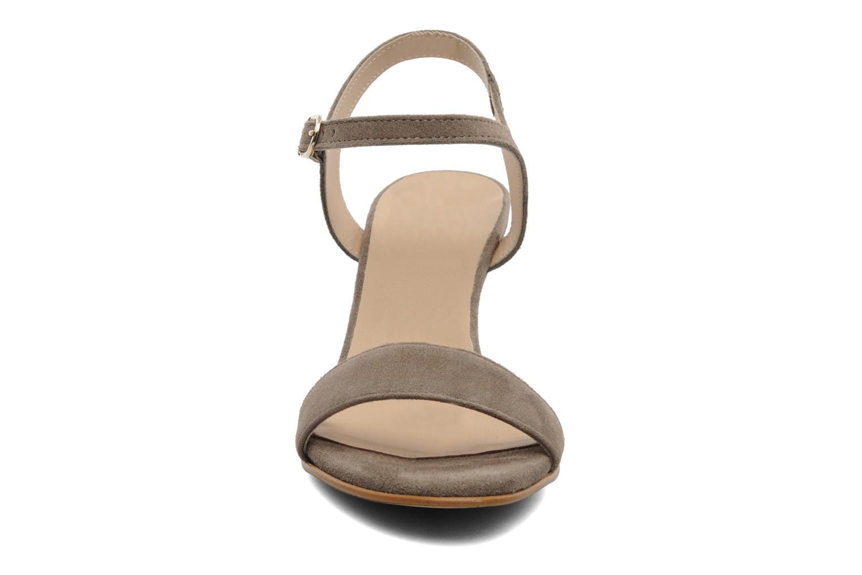 Sandalen Georgia Rose Luce beige schuhe getragen
