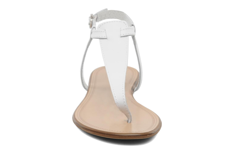 Sandales et nu-pieds Georgia Rose Lufluo cuir Blanc vue portées chaussures