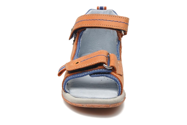 Sandalen Babybotte TITOUAN orange schuhe getragen