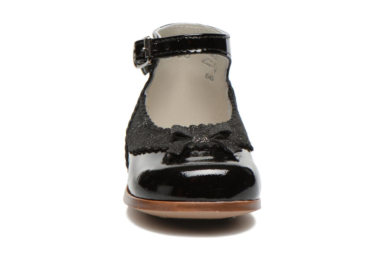 Ballerinaer Little Mary OLYZZIE Sort se skoene på