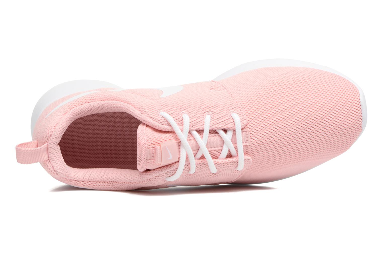 Trainers Nike Wmns Nike Roshe One Pink view from the left