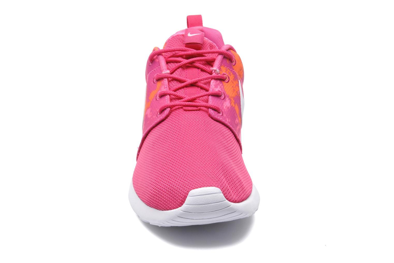 Baskets Nike Wmns Nike Rosherun Print Rose vue portées chaussures