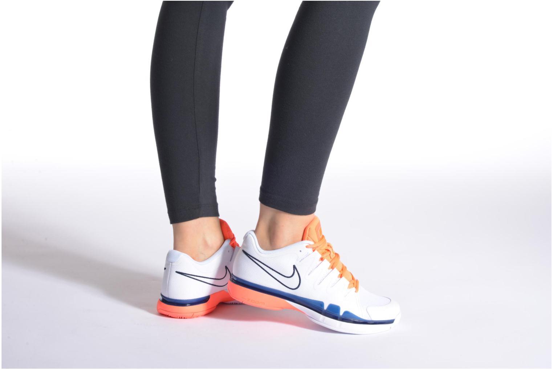 Sportschuhe Nike Nike Zoom Vapor 9.5 Tour weiß ansicht von unten / tasche getragen