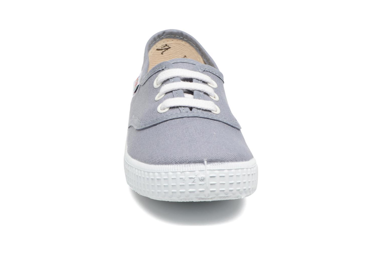 Baskets Victoria Inglesa Lona Gris vue portées chaussures