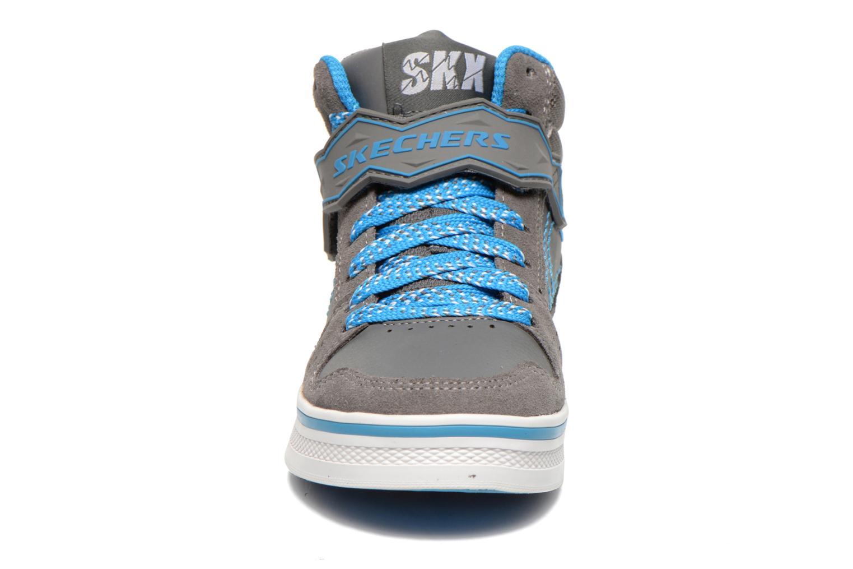 Sneaker Skechers Kelp Assemble grau schuhe getragen