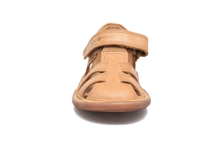 Sandales et nu-pieds Shoo Pom Crespin Tonton Marron vue portées chaussures