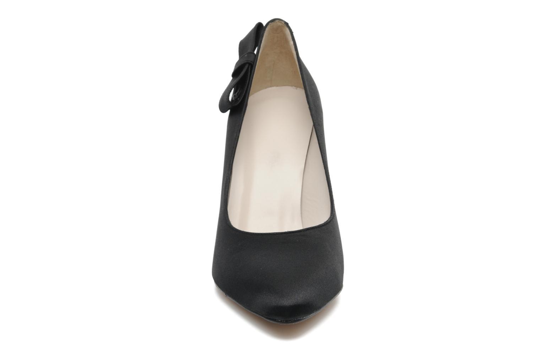 Zapatos de tacón Georgia Rose Armonia Negro vista del modelo