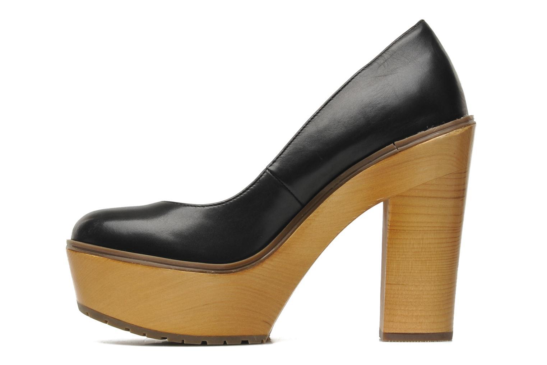 CARINCI Black leather