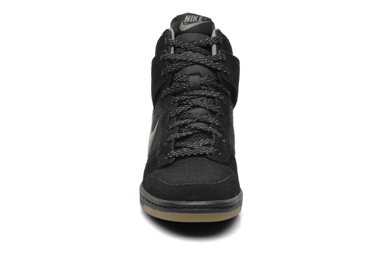 Baskets Nike Wmns Dunk Sky Hi Essential Noir vue portées chaussures