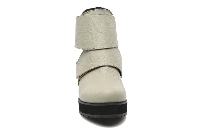 Bottines et boots Shellys London Mieri Beige vue portées chaussures