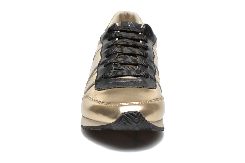 Deportivas Shoe the bear Trainer Oro y bronce vista del modelo