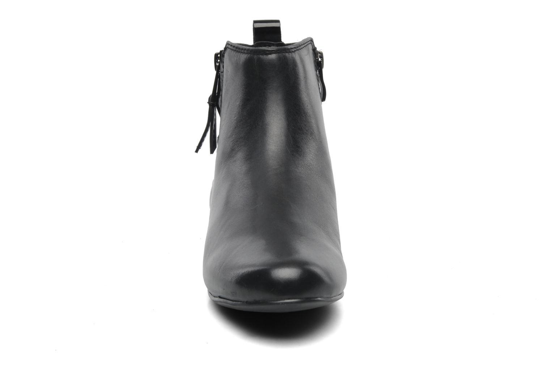 Bottines et boots Caprice Pollie Noir vue portées chaussures