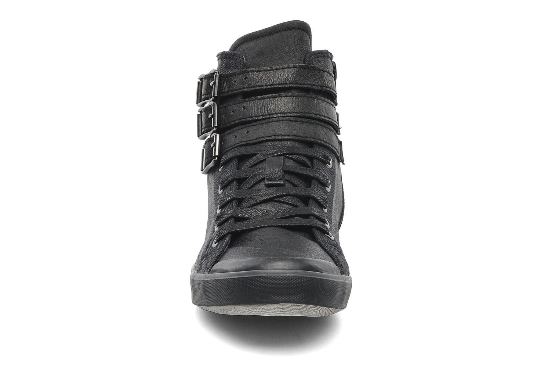 Sneaker TBS Aurane schwarz schuhe getragen