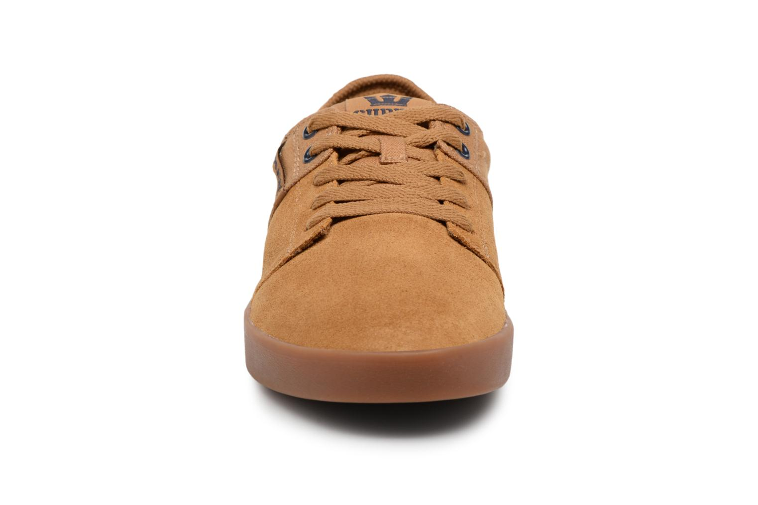 Sport shoes Supra Stacks II Brown model view