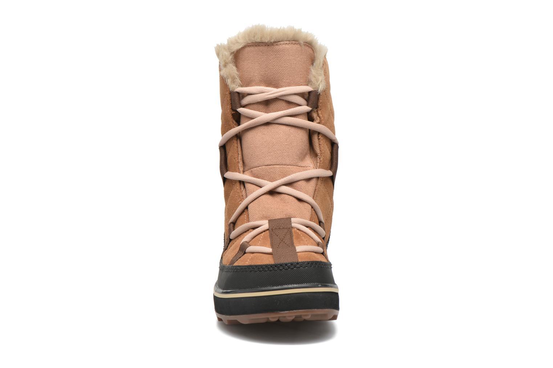 Sportschuhe Sorel Glacy Explorer Shortie braun schuhe getragen